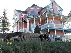 Gold Strike Inn Bed and Breakfast Cripple Creek Victor Lodging Places to Stay Hotels Motels Air BNB